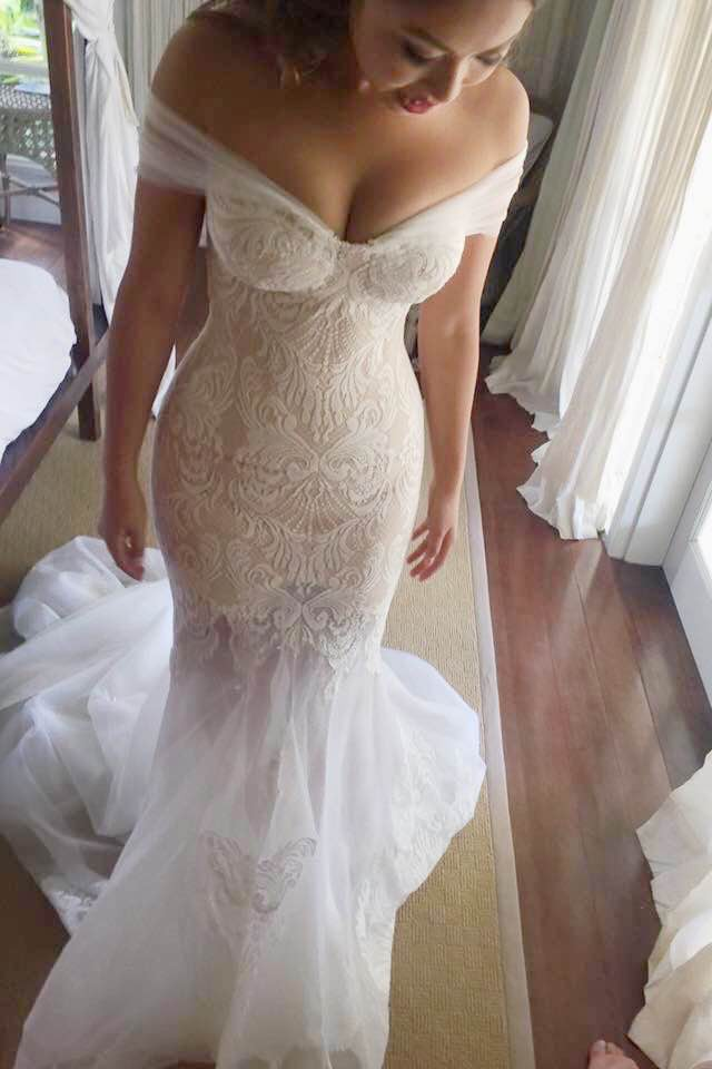 Leah da gloria fleur custom made used wedding dress on for Leah da gloria wedding dress cost