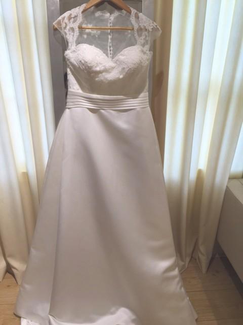 Avenue diagonal payne sample wedding dress on sale 60 off for Wedding dress dry cleaning near me