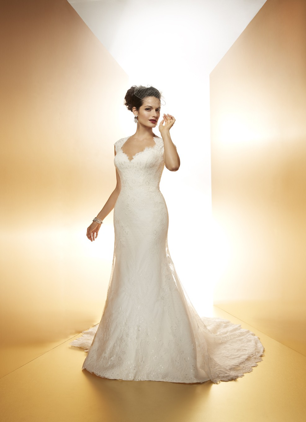 Matthew christopher violet second hand wedding dress on for Matthew christopher wedding dress prices