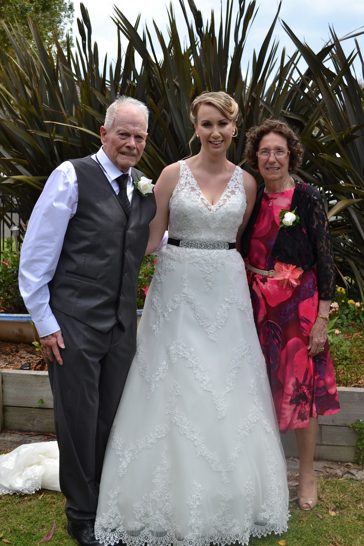 San patrick hammel used wedding dress on sale 50 off for Julian alexander wedding dresses