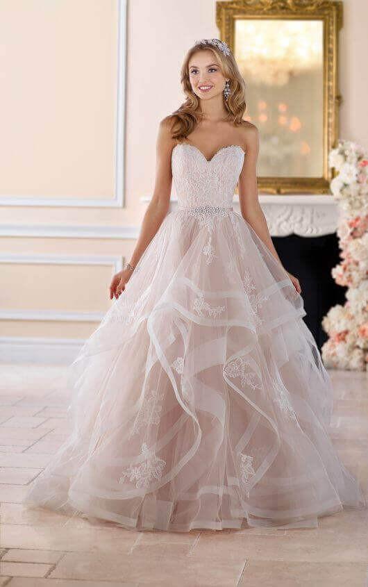 Stella York PreOwned Wedding Dress on Sale 36% Off