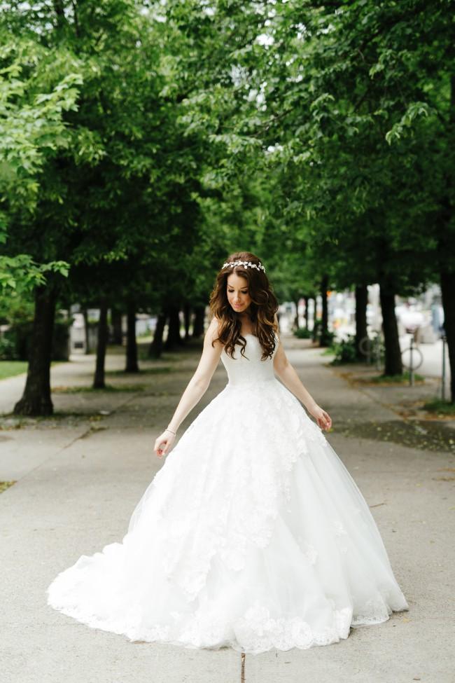 Ines di santo estee preowned wedding dress on sale for Ines di santo wedding dress prices