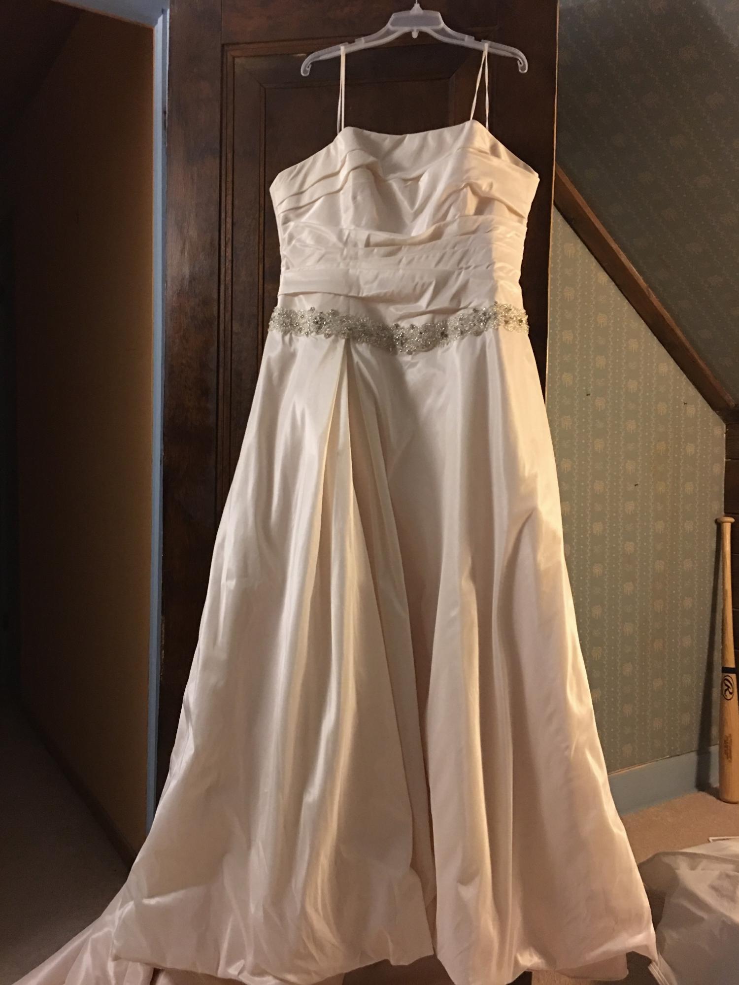 Enzoani auburn sample wedding dress on sale 68 off for Wedding dress cleaning chicago