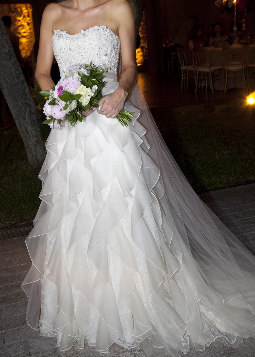 Badgley mischka lexington used wedding dress on sale for Used wedding dresses miami