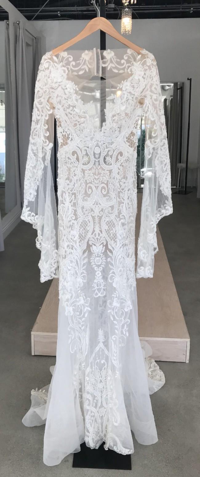 Pallas Couture, Therron