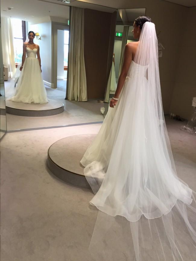 Karen Willis Holmes, Selena Gown
