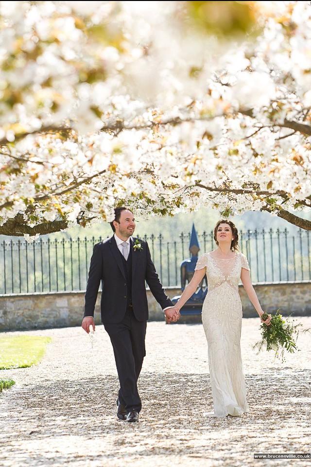 Jenny packham nashville pre owned wedding dress on sale 36 for Nashville wedding dress shops