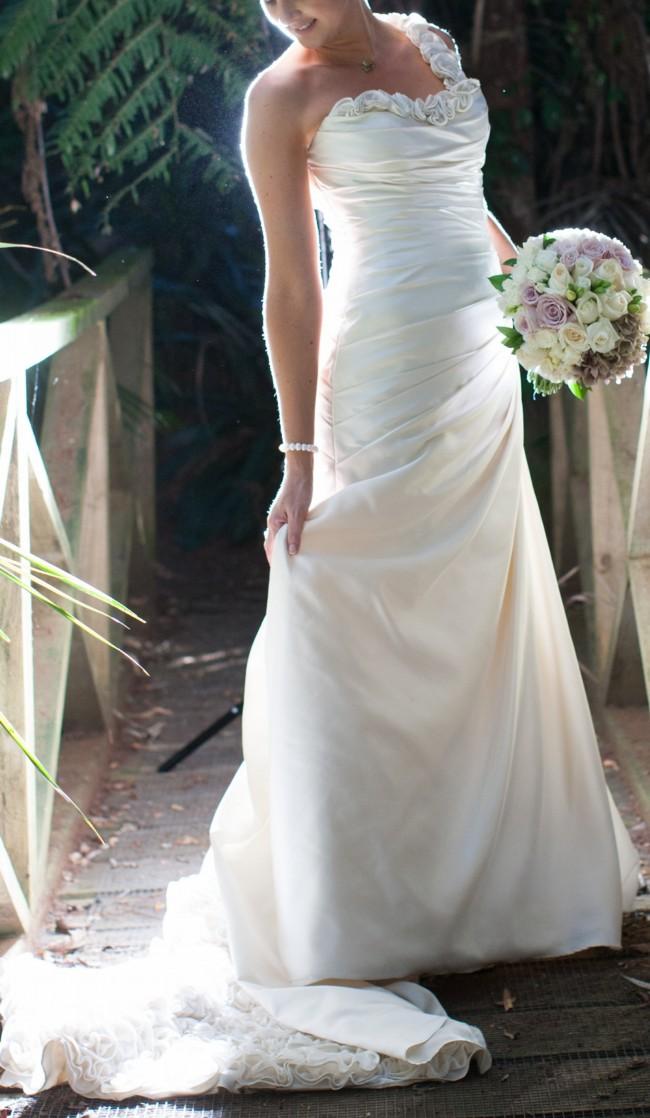 Ella wedding dresses wedding dresses in redlands for Largest selection of wedding dresses