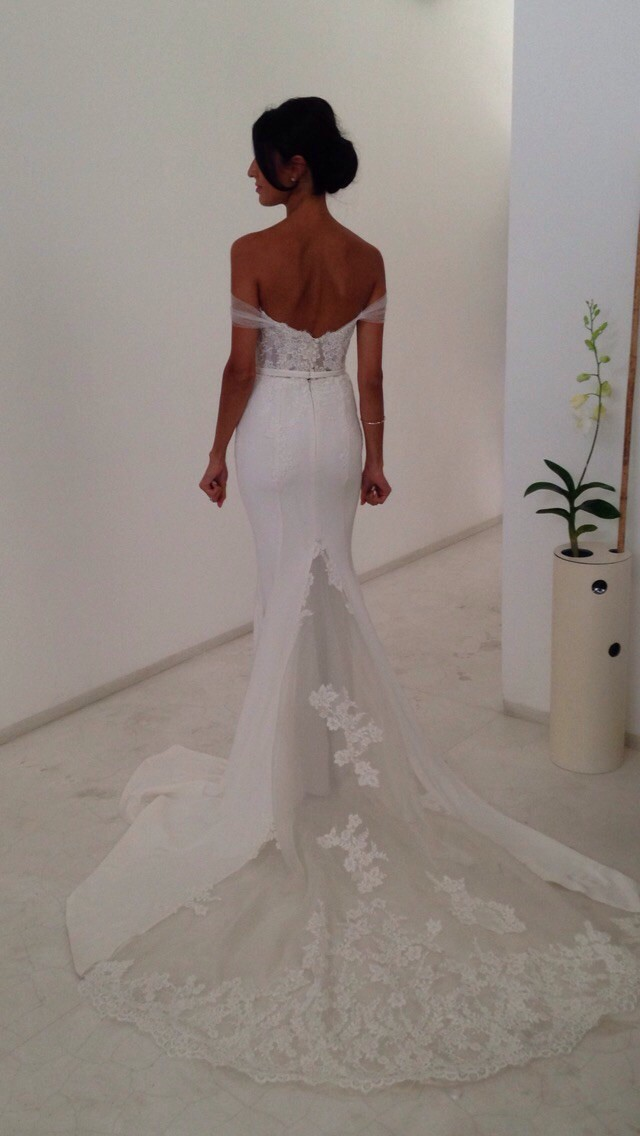 Leah da gloria used wedding dress on sale 42 off for Leah da gloria wedding dress cost