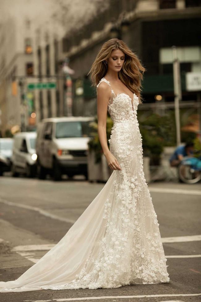 Berta 17 114 PreOwned Wedding Dress on Sale 35% Off
