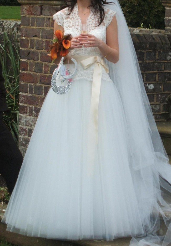 David Fielden Grace Kelly - Second Hand Wedding Dresses - Stillwhite