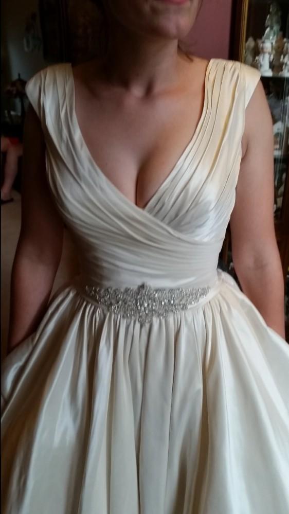 Allure Bridals, Allure 9155