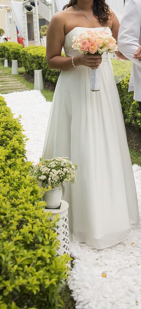 03ac01ad8d9 David s Bridal Used Wedding Dress on Sale 55% Off - Stillwhite Canada