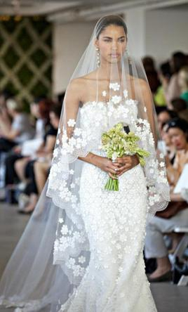 Oscar de la renta 44e10 second hand wedding dresses stillwhite oscar de la renta 44e10 junglespirit Choice Image