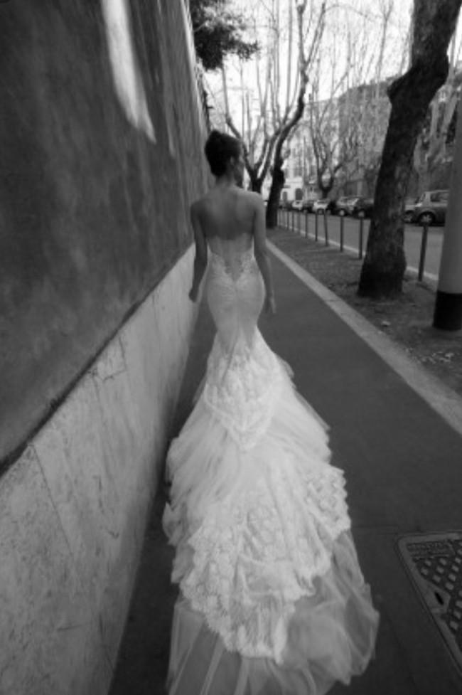 Inbal Dror VIP PreOwned Wedding Dress on Sale 28% Off