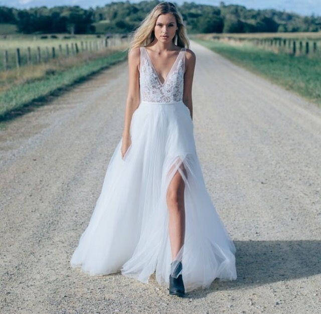 Made with love custom made willow preowned wedding dress for Made with love wedding dresses