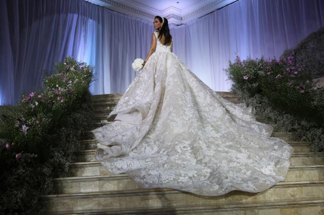 Krikor jabotian custom made pre owned wedding dress on sale 57 off krikor jabotian custom made junglespirit Gallery