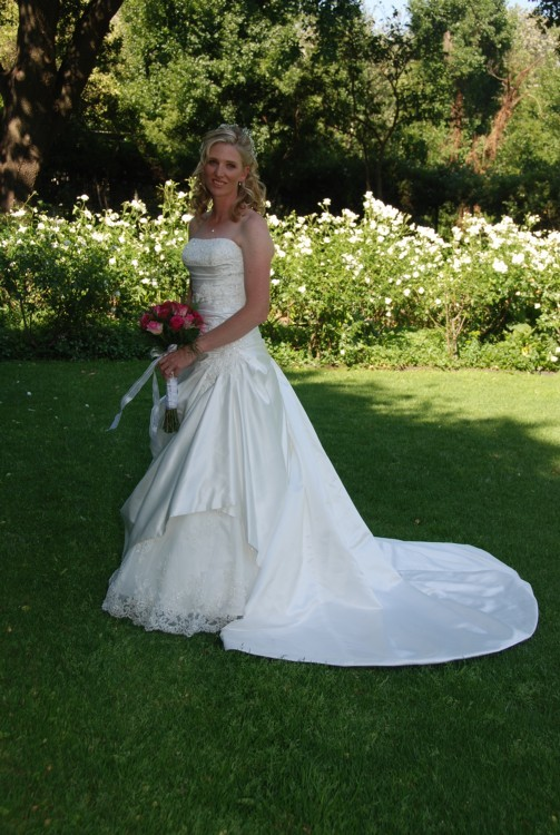 Enzoani ankara preowned wedding dress on sale for Preowned wedding dresses for sale