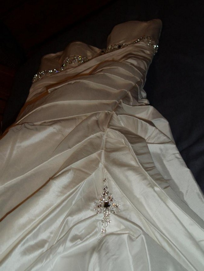 Brides By Mancini, Lola