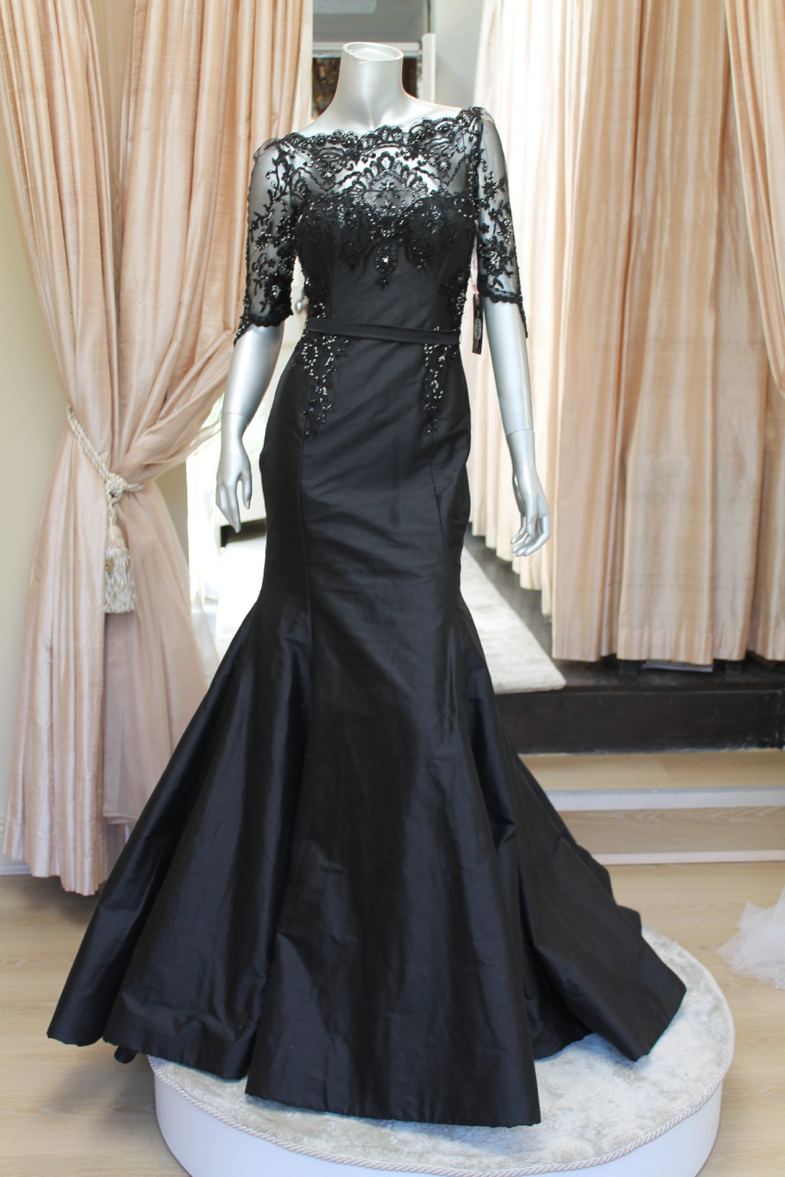 Rosalynn win haute couture one off evening gown sample for Haute couture sale