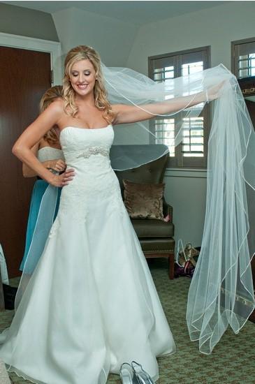 Lazaro Used Wedding Dress on Sale 81% Off