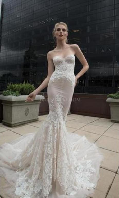 Inbal Dror 16-17 Used Wedding Dress on Sale 62% Off - Stillwhite