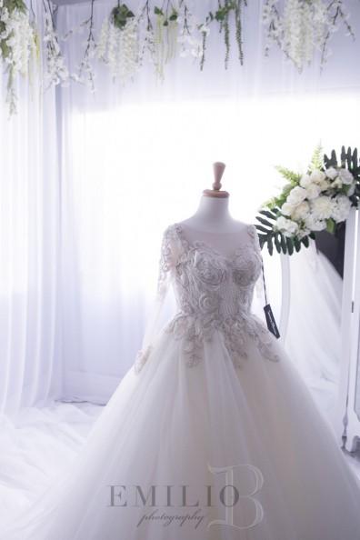 Suzanna blazevic custom made second hand wedding dress on for Suzanna blazevic wedding dresses