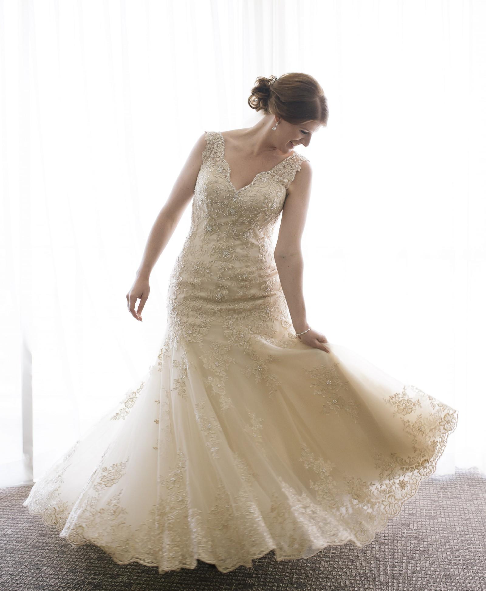 Stella york 5922 second hand wedding dress on sale 50 off for Stella york wedding dresses near me