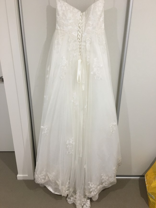 Mia solano bellerose m1507l second hand wedding dress on for Second hand wedding dresses near me