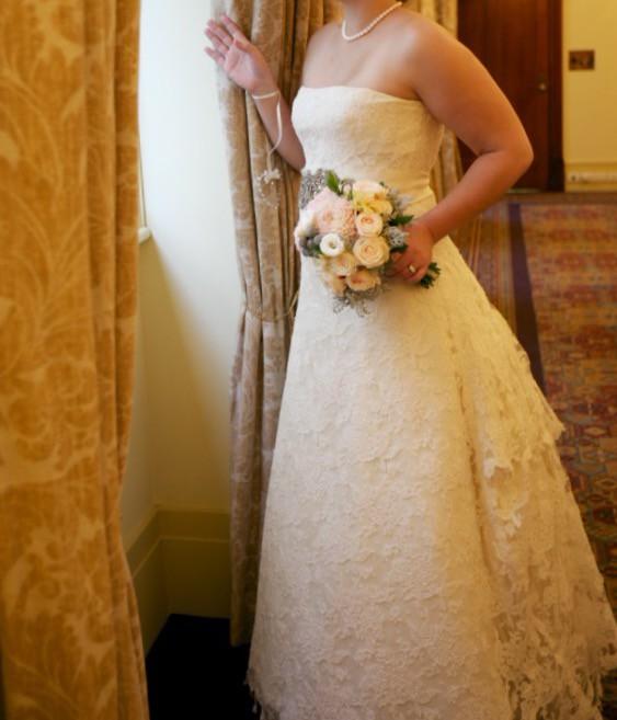 Vera wang luxe second hand wedding dress on sale for Second hand vera wang wedding dress