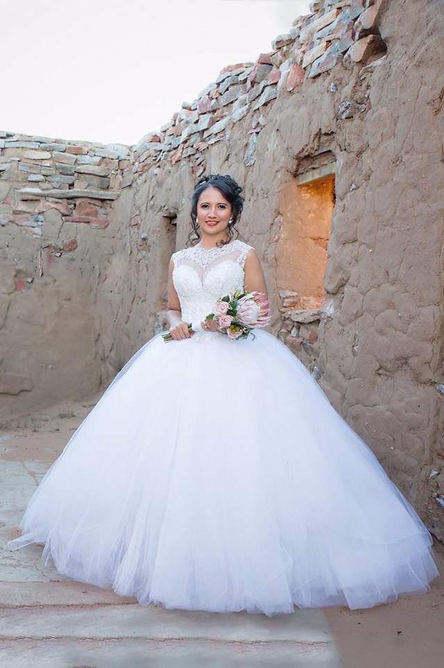 Adrianna Papell Platinum Collection PreOwned Wedding Dress on Sale