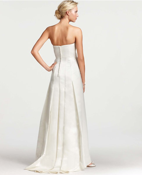 Ann Taylor Layla New Wedding Dress on Sale - Stillwhite