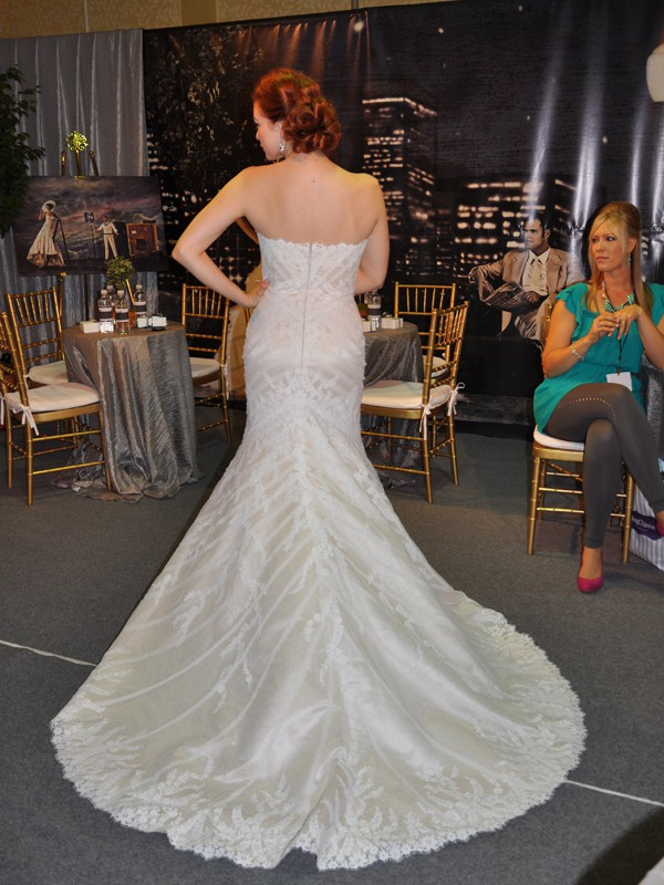 Matthew christopher sofia second hand wedding dress on for Matthew christopher wedding dress prices