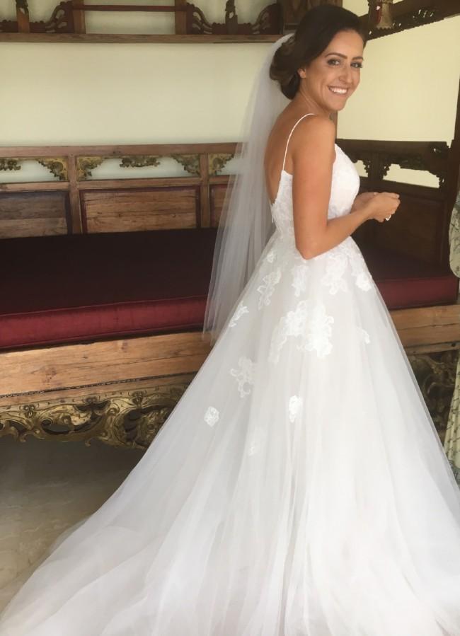 Monique Lhuillier Severine Pre-Owned Wedding Dress on Sale 39% Off
