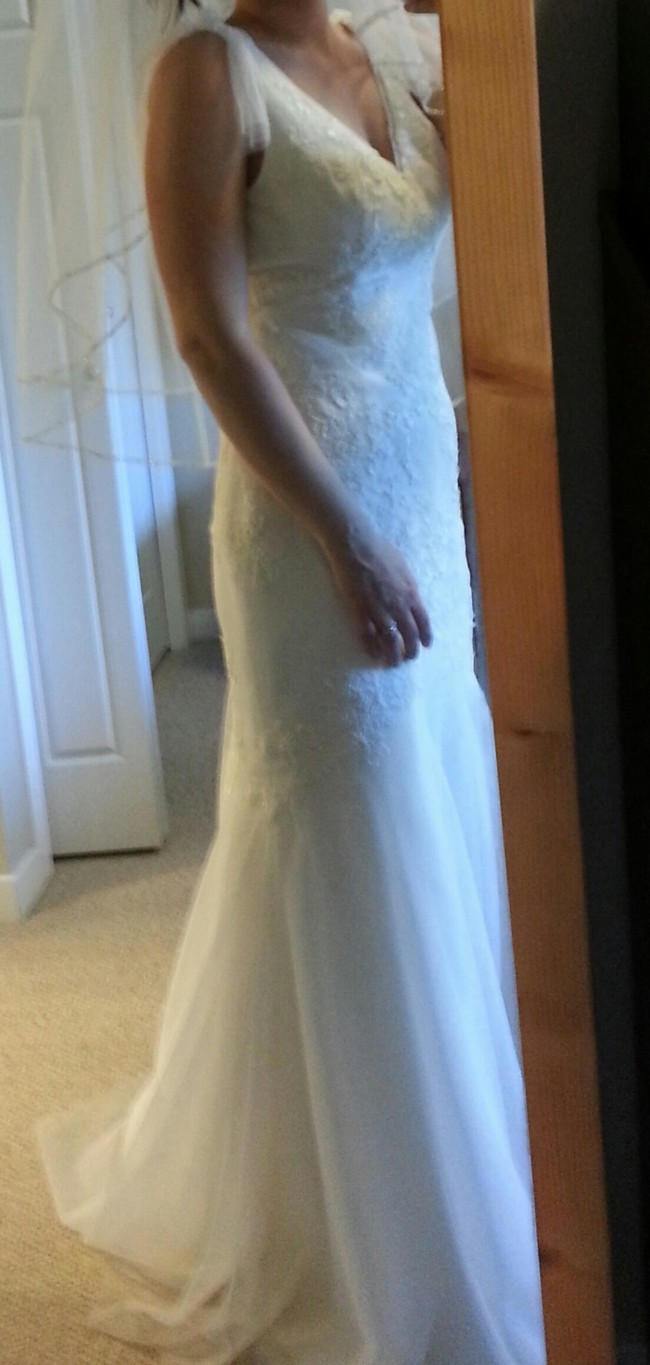 Second hand lace wedding dresses size 8 : Neck soft a line gown with hand appliqued lace v size wedding dress