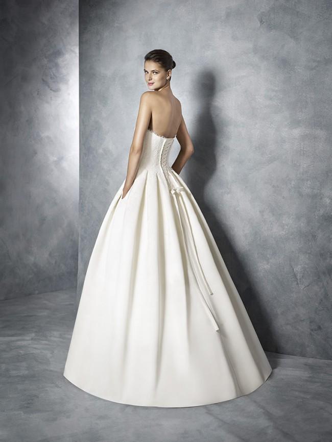 story what bring wedding dress shopping