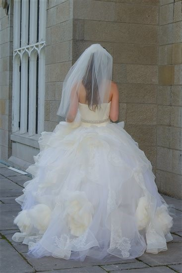 Vera wang katherine second hand wedding dress on sale 81 off for Second hand vera wang wedding dress
