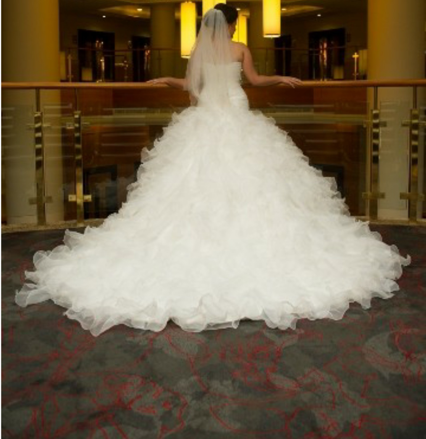 Maggie sottero chrystelle pre owned wedding dress on sale for Do dry cleaners steam wedding dresses