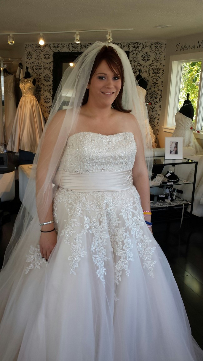 Allure Bridals 2513 Pre Owned Wedding Dress On Sale 46 Off