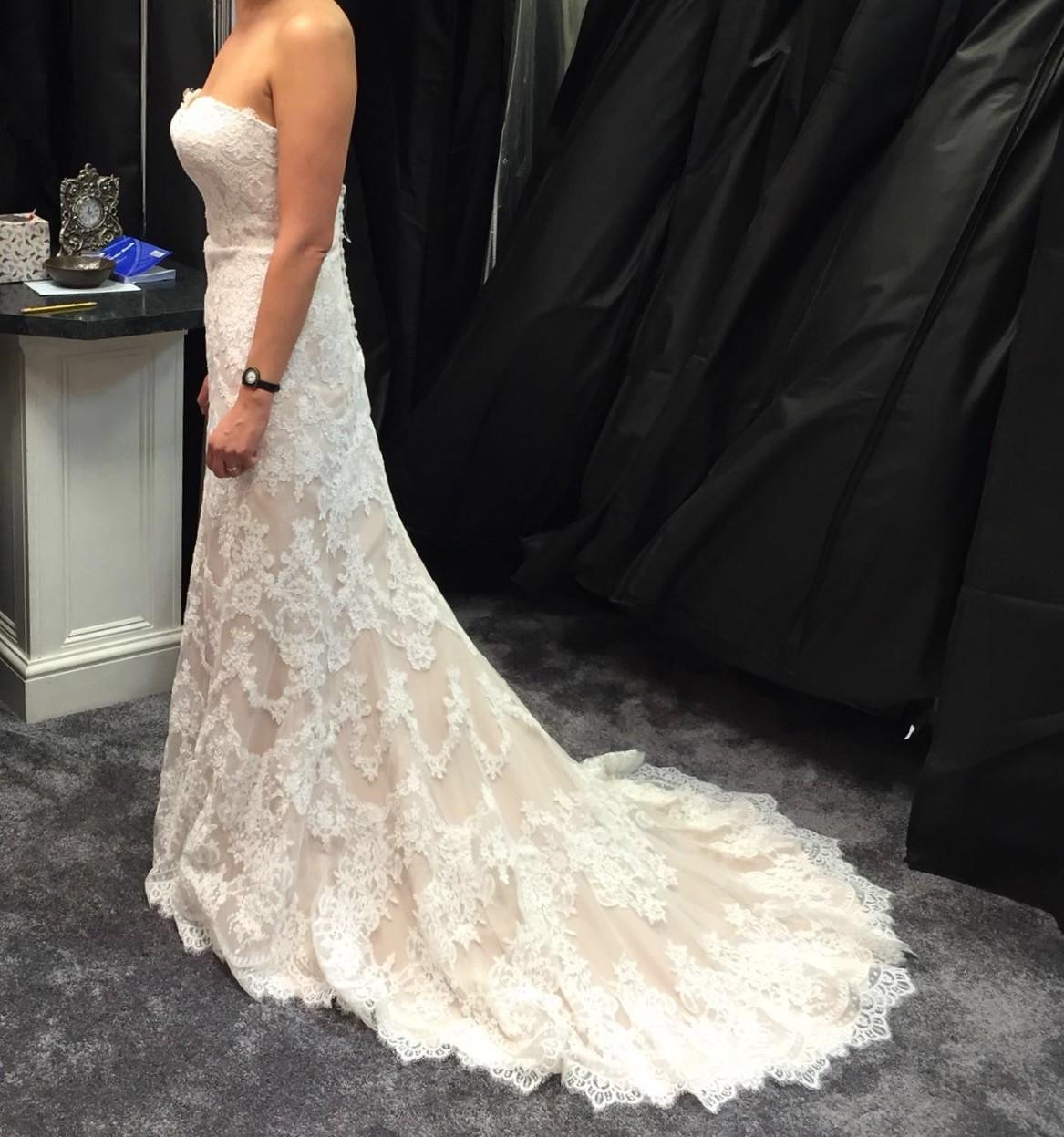 Essense of australia d2106 second hand wedding dress on for Antique inspired wedding dresses