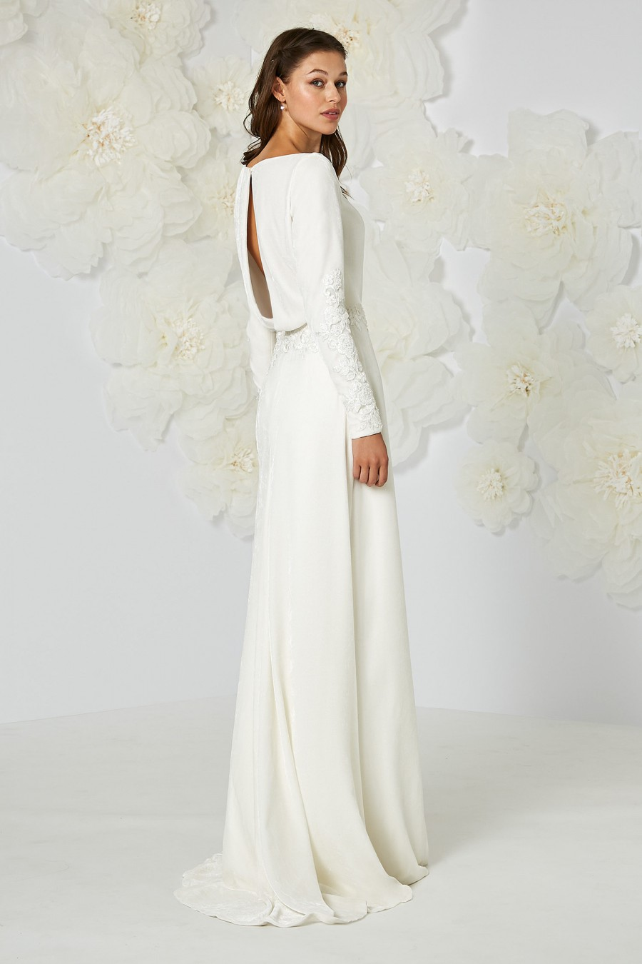 40 snow ready winter wedding dresses atelier eme junglespirit Image collections