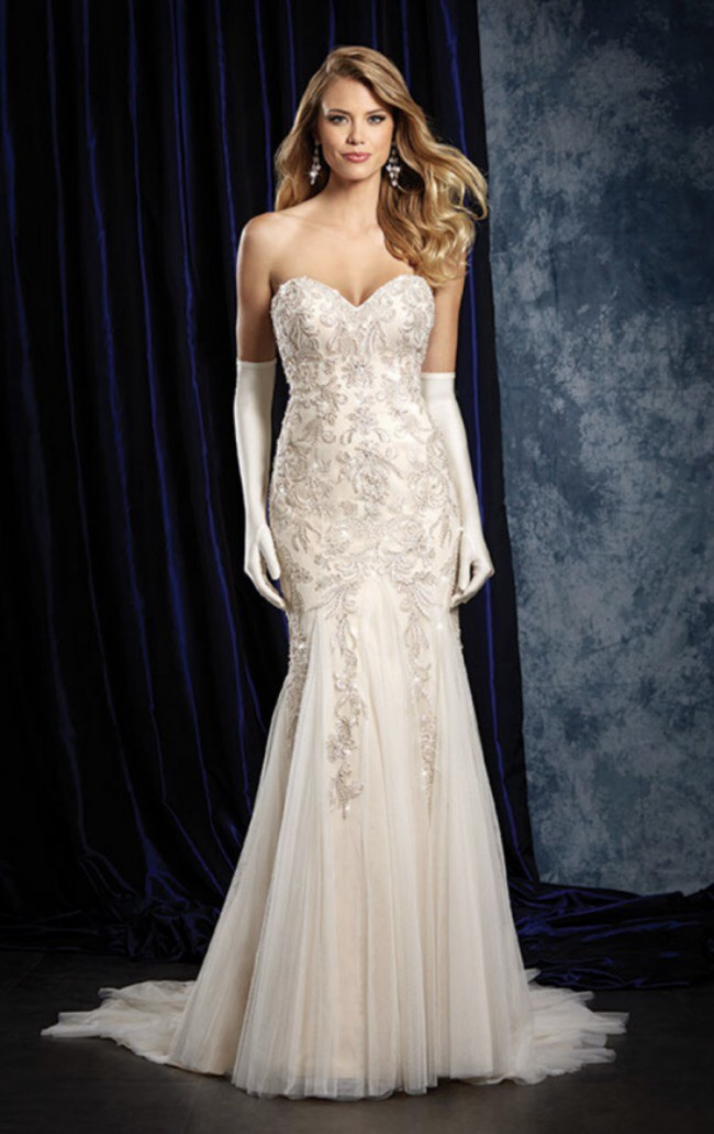 Alfred Angelo, 957