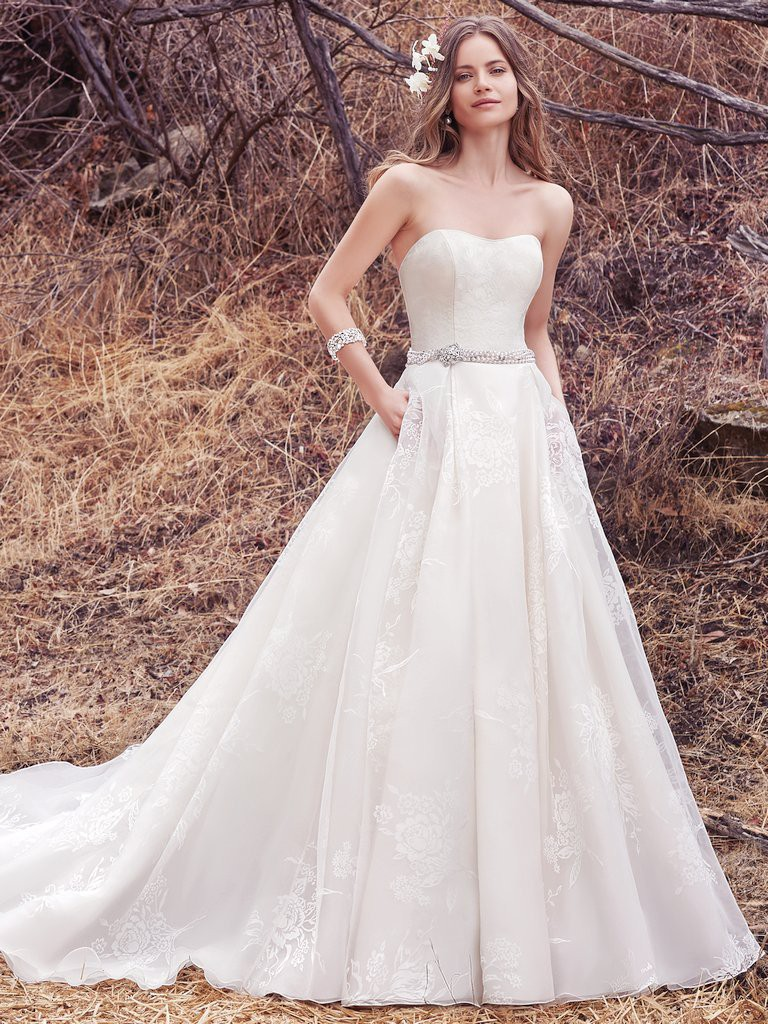 31 must have wedding dresses with pockets maggie sottero ombrellifo Image collections