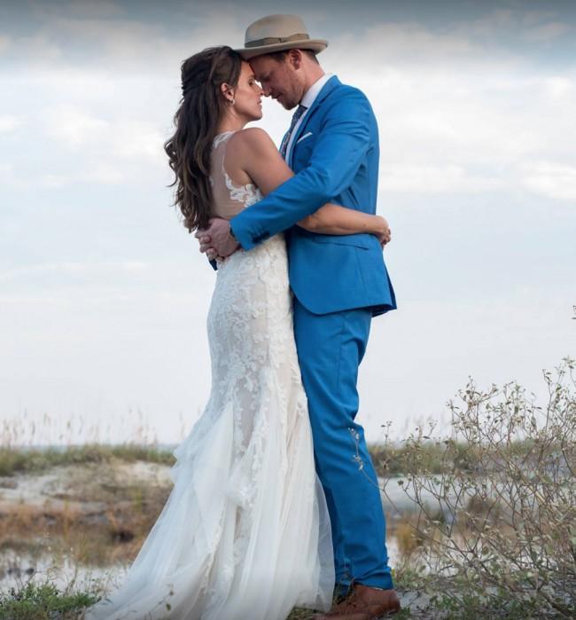 Watters Kimura Pre-Owned Wedding Dress on Sale 64% Off