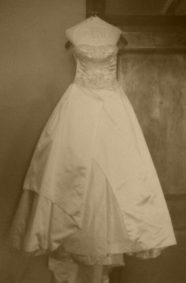 Reem Acra Used Wedding Dress On Sale 85 Off Stillwhite
