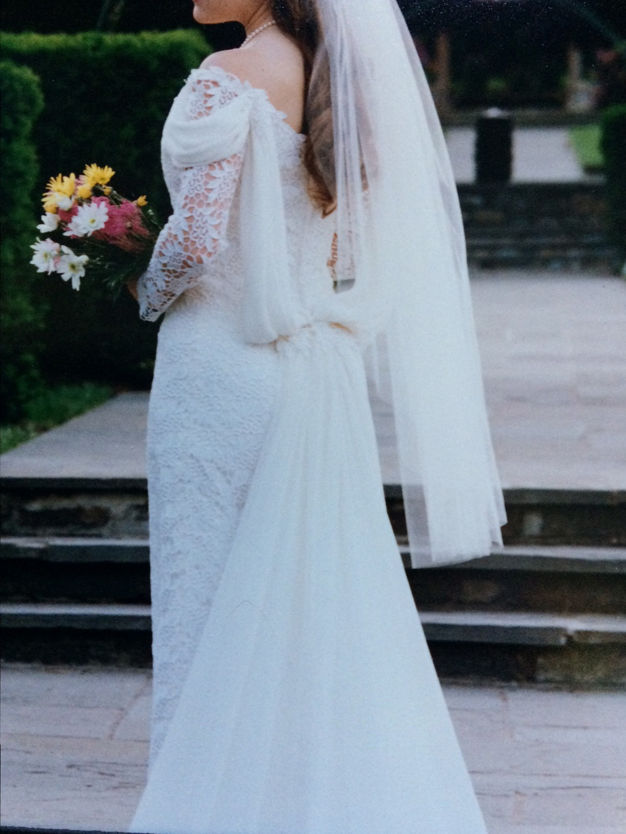 Carmen Couture Second-Hand Wedding Dress on Sale 91% Off