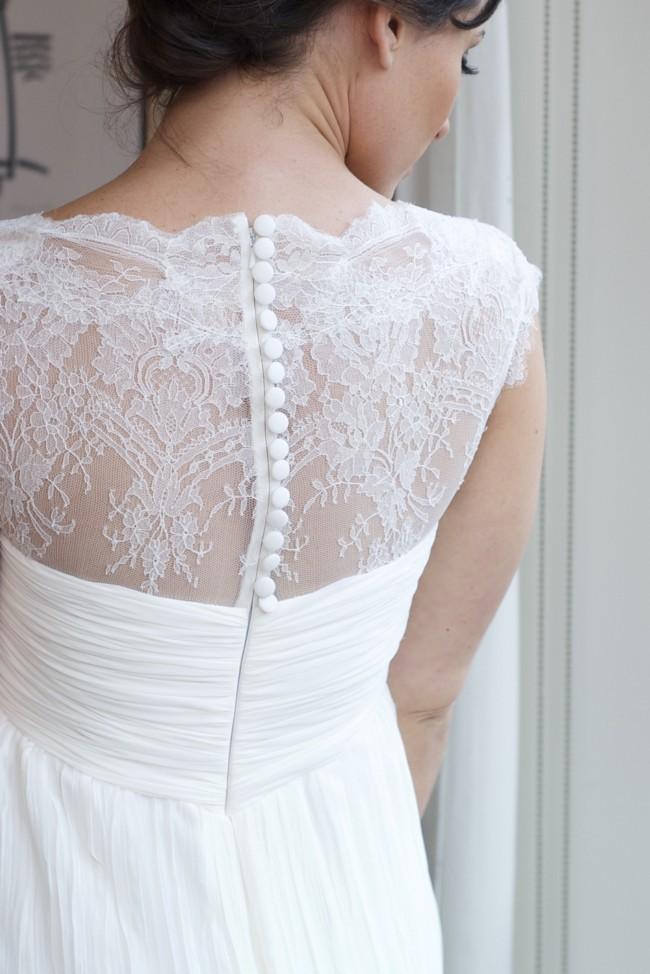 Pronovias Vintage silk lace trim Preloved Wedding Dress on Sale 86% Off