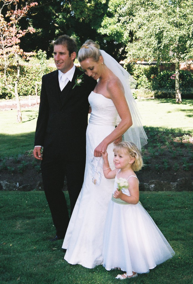 Baccini hill pre owned wedding dress on sale 76 off for Off the rack wedding dresses melbourne