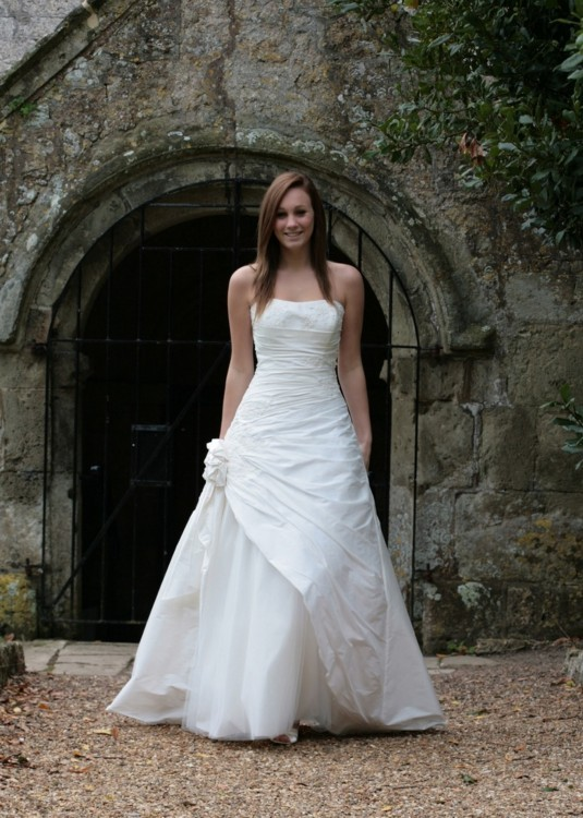 Forget me not monte carlo second hand wedding dresses for Second wedding dresses not white