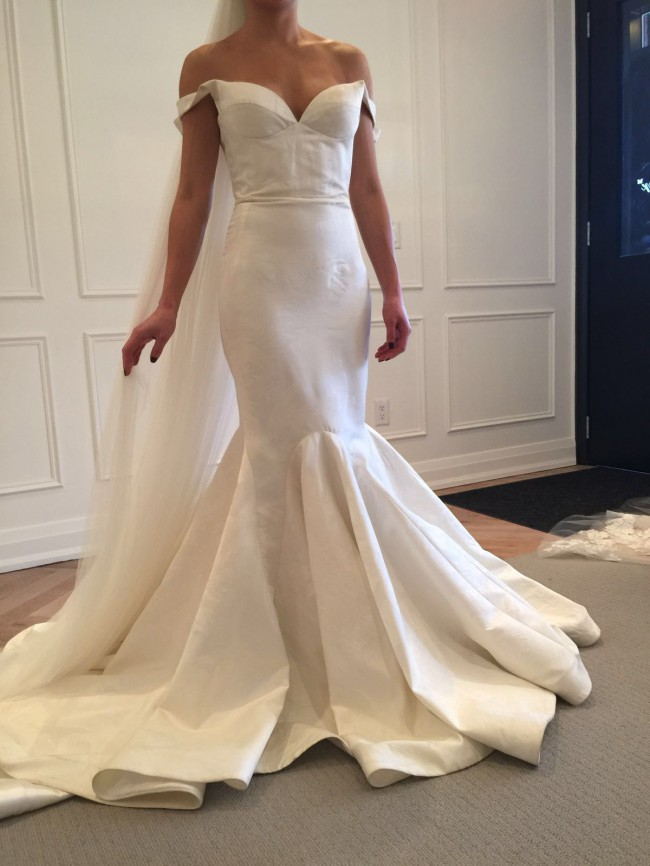 Leah da gloria used wedding dress on sale for Leah da gloria wedding dress cost